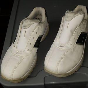 Ladies Nike Golf shoes sz 8.5